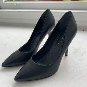 Charles David - Black Pumps Size 7. 3 Inch Heel